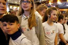 На кинофестивале NEXT работают юные волонтеры