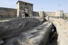 Археологические исследования на прикрепостной территории