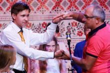 Стоп. Знято! Фестиваль закривають голови дорослого і дитячого журі Віктор Андрієнко та 15-річний Євген Ліснічий з Одеси