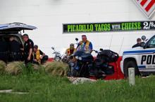 Полиция на месте происшествия. Фото: John L. Mone / AP