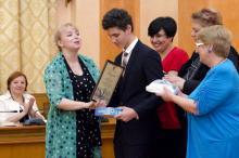 Награждение В. Толстикова.