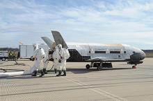 Boeing X-37, 17 октября 2014 года. Фото: Boeing / Vandenberg Air Force Base / Reuters