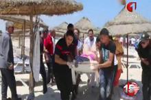 Пострадавшие при теракте в Тунисе 26 июня 2015 года. Фото: AP