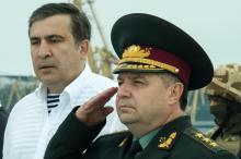 Губернатор М. Саакашвили и министр обороны С. Полторак. Фото Олега Владимирского