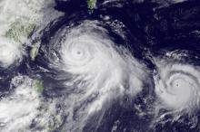 Снимок тайфуна «Чан-Хом» со спутника. Фото: NOAA / AP