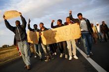 Мигранты в городе Кале. Фото: Juan Medina / Reuters