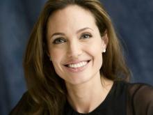 А. Джоли. Фото с сайта http://www.ex.ua.