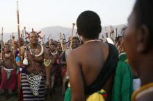 Мсвати III со свитой. Фото: Themba Hadebe / AP