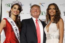 Дональд Трамп с конкурсантками «Мисс Вселенная». Фото: Lucas Jackson / Reuters