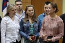 Мария Гайдар представляет сотрудников новой приемной