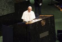 Папа Франциск на трибуне в ООН. Фото: Global Look с сайта Лента Ру