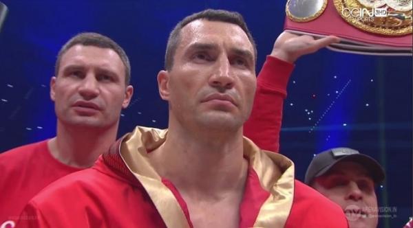 Владимир Кличко проиграл Тайсону Фьюри