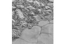 Горы аль-Идриси и плато Спутник. Фото: NASA / JHUAPL / SwRI
