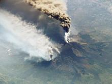 Извержение вулкана Этна (архив). ISS/NASA/Getty Images