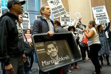 Акция против Мартина Шкрели. Фото: Craig Ruttle / AP