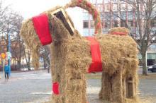 Рождественский козел в Евле до поджога (2015 год)  Фото: @Gavlebocken