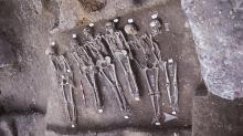 Раскопки лондонского чумного кладбища. Фото с сайта guardianlv.com