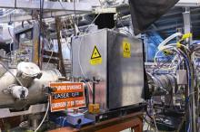 Запуск лазерной станции на ISOLDE. Фото: Samuel Morier-Genoud / CERN