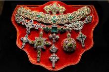 Ожерелье св. Януария из золота, серебра и драгоценных камней сделано в 1679 г. Фото Getty
