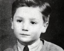 Джон Леннон в детстве.