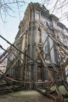 Здание ГАОО на ул. Жуковского (бывшая Бродская синагога) - в аварийном состоянии. Фото Олега Владимирского