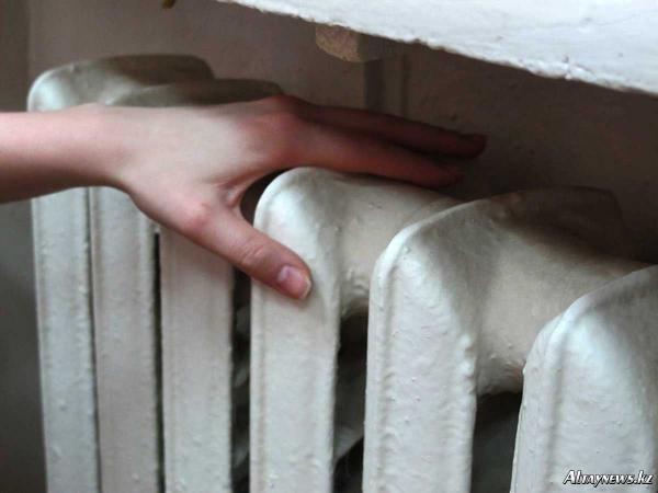 В Киеве отключают отопление «в интересах населения»