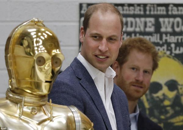 Принц Гарри и Уильям поиграли в «звездные войны»