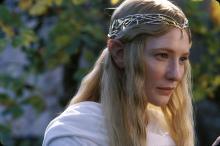 Кейт Бланшетт в роли эльфийки Галадриэли.