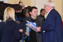Общественник пытается передать Александру Голованову свои предложения