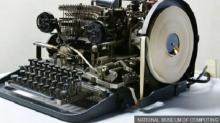 На подобном аппарате передавались секретные сообщения командованию Вермахта. Фото: BBC