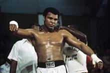 Мохаммед Али готовится к бою с британцем Ричардом Данном. 24 мая 1976 года. Фото: Istvan Bajzat / dpa / Globallookpress.com