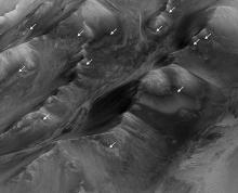 �������� � ������ �� ���. ����: NASA/JPL-Caltech/Univ. of Arizona