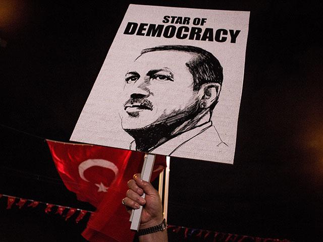 Минюст Турции: Гюлен, очевидно, уже невСША