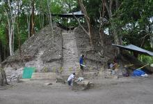 Раскопки Шунантунича. Фото: Jaime Awe