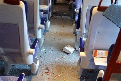 ВоФранции поезд врезался вдерево, десятки пострадавших