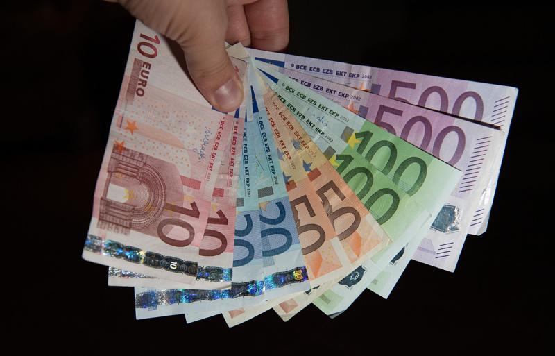 ВПольше намусорной свалке отыскали полмиллиона евро встаром пылесосе