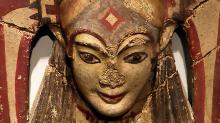 Скульптурное изображение рогатой этрусской богини