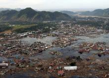 Суматра после землетрясения и цунами, 2004 г. Фото Philip A. McDaniel / Wikimedia Commons