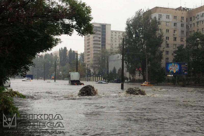 Мэр Одессы предлагает уменьшить рабочий день из-за ливня