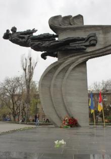 Памятник Героям-летчикам на 5-й ст. Большого Фонтана. Фото: omr.gov.ua (архив)