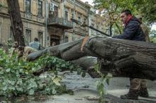 Одно из последствий шторма в Одессе. Фото Олега Владимирского