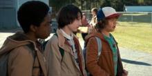 Гейтен (справа) в сериале «Очень странные дела»