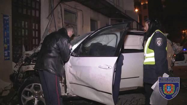 Смертельное ДТП вОдессе устроили уличные гонщики— милиция