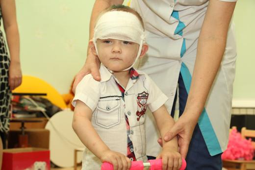 Найденного наодесской улице избитого ребенка Вову усыновили