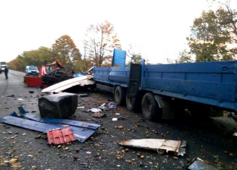 Натрассе Одесса-Рени случилось смертельное ДТП сучастием 2-х фургонов
