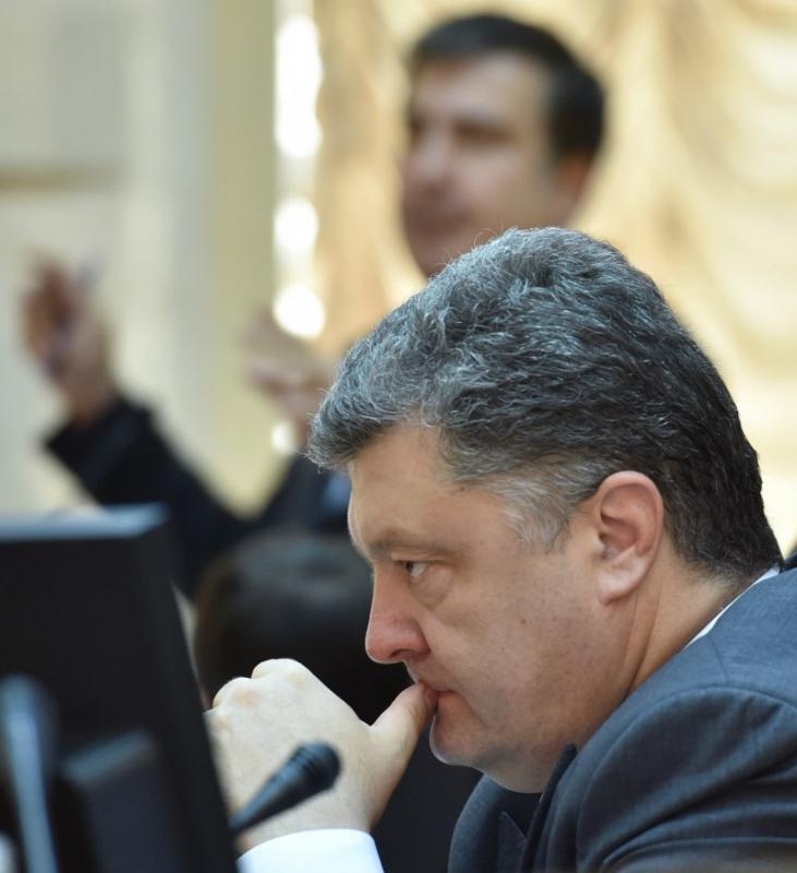 Порошенко дал понять, что примет отставку Саакашвили