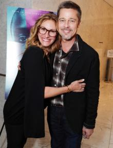 Брэд Питт и Джулия Робертс. Фото: Eric Charbonneau/Invision/AP, фото с сайта  people.com
