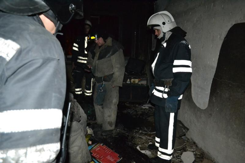 Напожаре спасены три человека, один человек пострадал