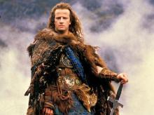 Кристофер Ламберт в роли Коннора Маклауда. Кадр из фильма «Горец» (1986 г.)