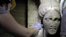 Голова кариатиды в гробнице в Амфиполисе. Изображение с сайта amfipolis.com